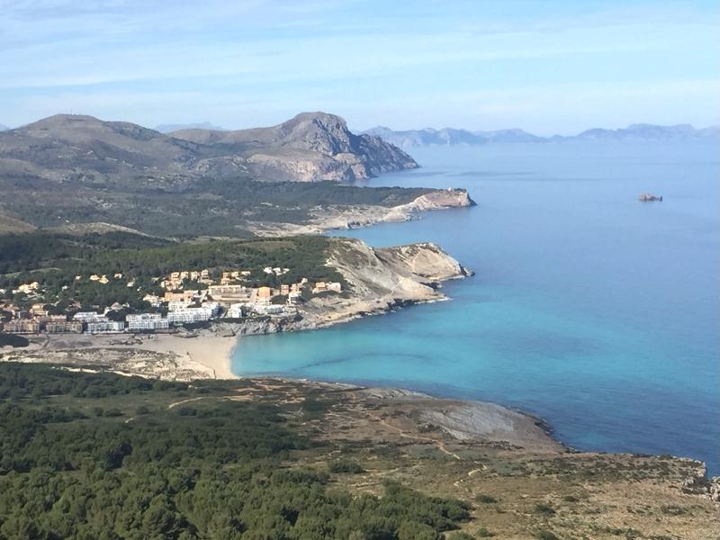 Blick auf die Cala Mesquida vom Talaia de Son Jaumell