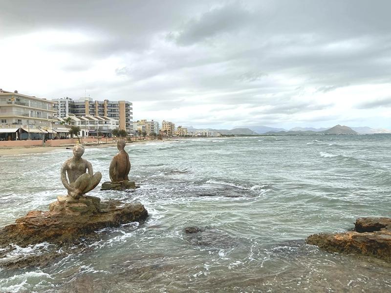 Die Küste entlang des Urlaubsortes auf Mallorca