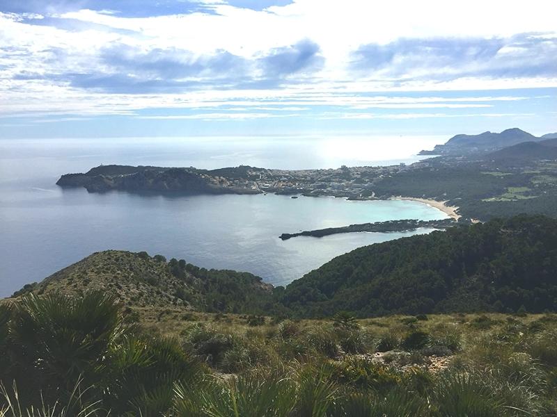Strände und der Ort Cala Ratjada auf Mallorca