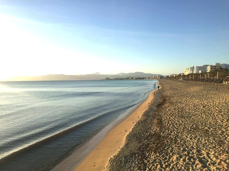 Strand der Playa de Palma auf Mallorca